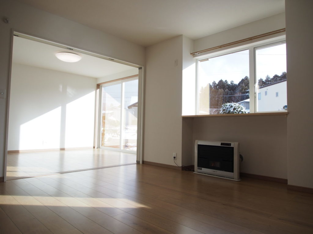 断熱改修後の暖かいリビング|八戸市 リノベーション|ぐっとリノベ