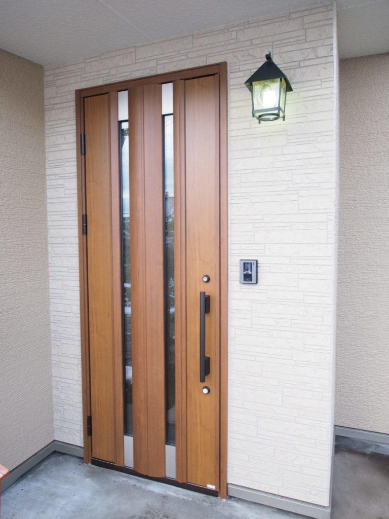 おしゃれな玄関灯|八戸市 リノベーション|ぐっとリノベ
